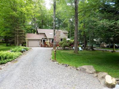 Photo of 134 Ridge Rd, Pocono Lake, PA 18347