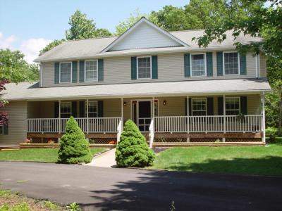 Photo of 108 Red Oak Ct, Long Pond, PA 18334
