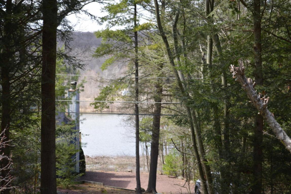 25 Lakeside Dr, White Haven, PA 18661