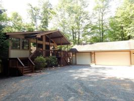 1284 Redwood Terrace, Pocono Pines, PA 18350
