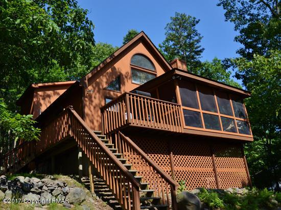 354 Brentwood Dr, Bushkill, PA 18324