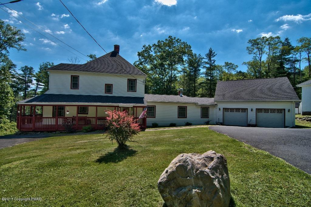 3116 Old Canadensis Hill Rd, Cresco, PA 18326