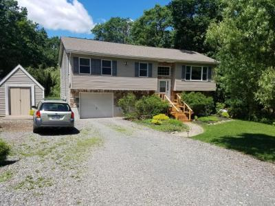 Photo of 239 Hornbeam Ct, Long Pond, PA 18334