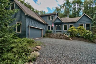 Photo of 424 Miller Drive, Pocono Pines, PA 18350
