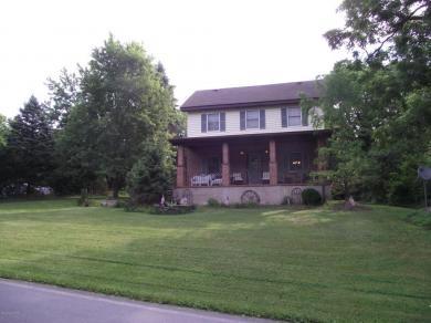 394 Silver Valley Rd, Saylorsburg, PA 18353