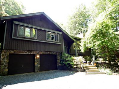 Photo of 432 Miller Dr, Pocono Pines, PA 18350