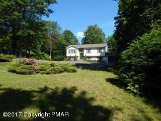215 Black Hawk Drive, Long Pond, PA 18334
