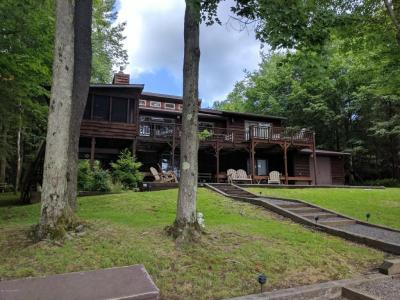 Photo of 62 W Lake Dr, Gouldsboro, PA 18424