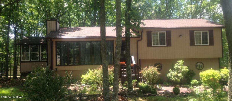 322 Hyland Dr, East Stroudsburg, PA 18301