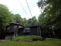 149 Maple Rd, Blakeslee, PA 18610