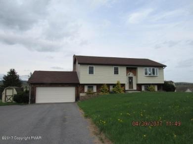 55 Smith Dr, Kunkletown, PA 18058