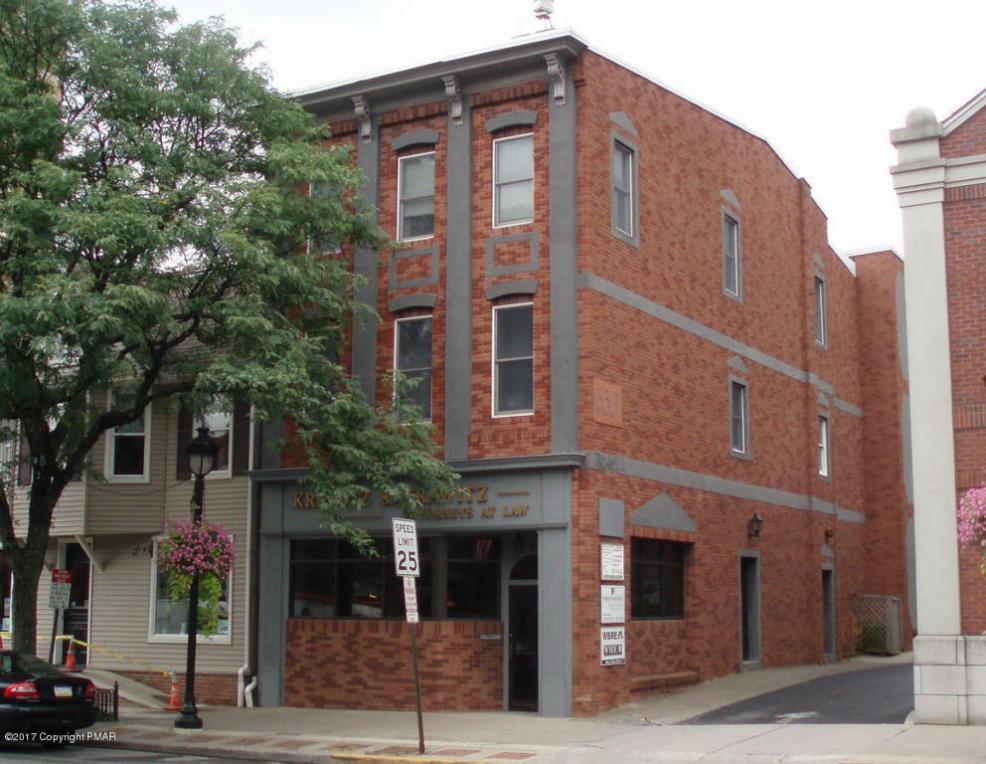 553 Main St., 2nd Flr, Stroudsburg, PA 18360