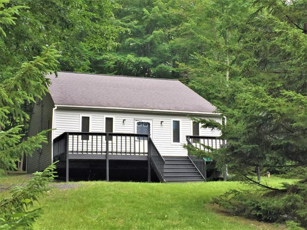 4147 Catawissa Dr, Pocono Lake, PA 18347