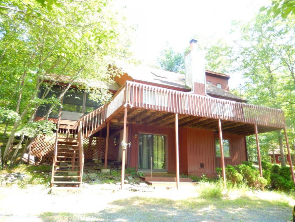 5372 Woodbridge Drive East, Bushkill, PA 18324