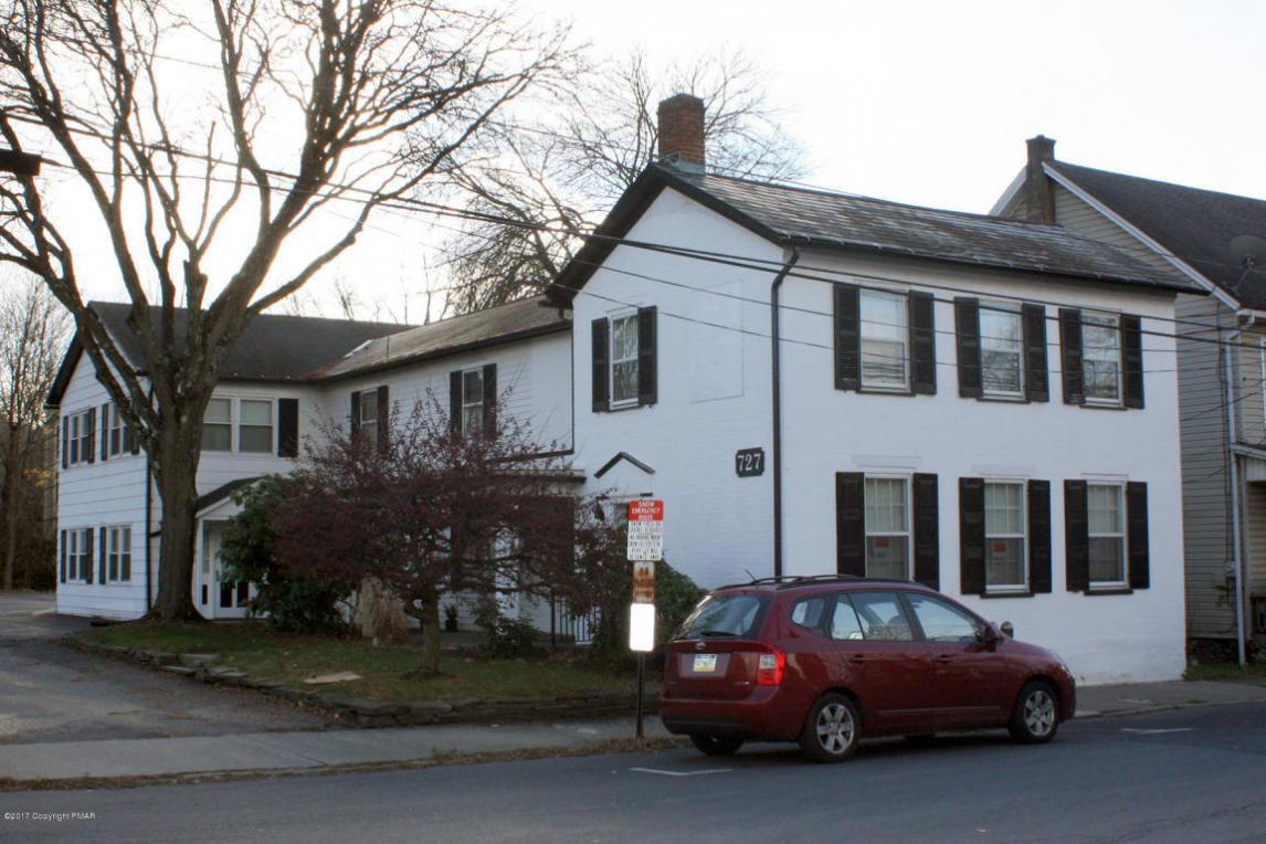 727 Ann Street, Second Floor, Stroudsburg, PA 18360