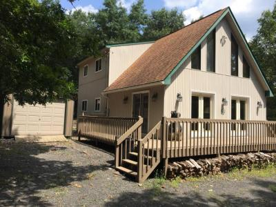 Photo of 7 Iroquois Rd, Albrightsville, PA 18210