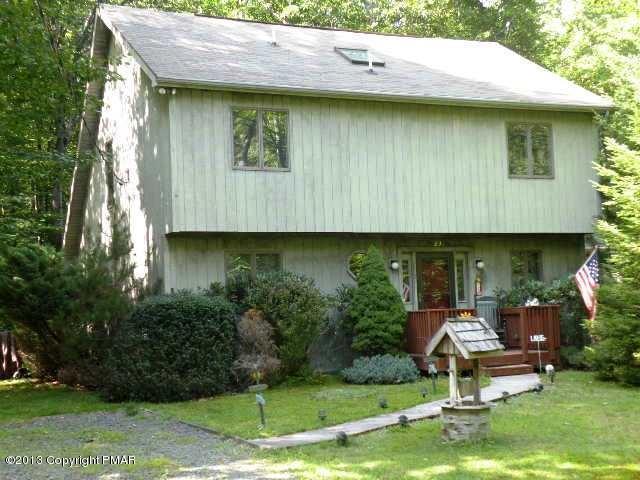 123 Martha's Lane, Pocono Lake, PA 18347