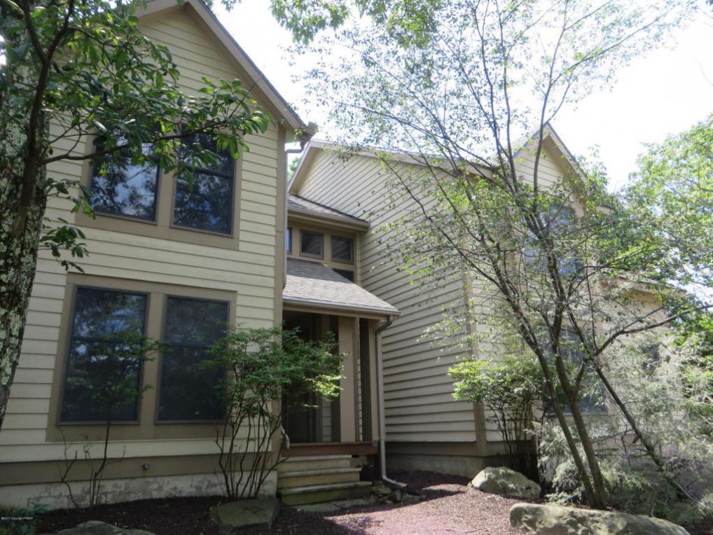 430 Birch Ct, Tannersville, PA 18372