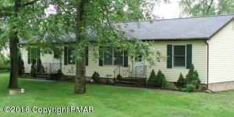 849 Weir Lake Rd, Gilbert, PA 18331