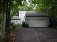 4151 Catawissa Dr, Pocono Lake, PA 18347