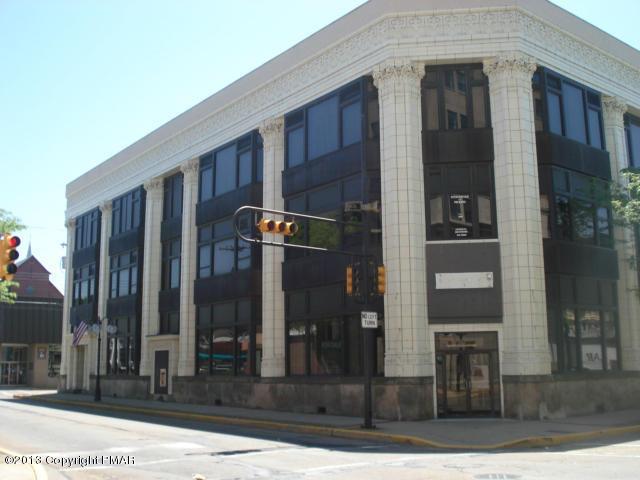 890 5th Ave, New Kensington, PA 15068