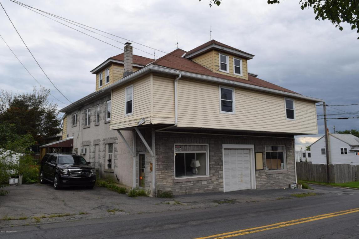 17 N Pine St, Summit Hill, PA 18250