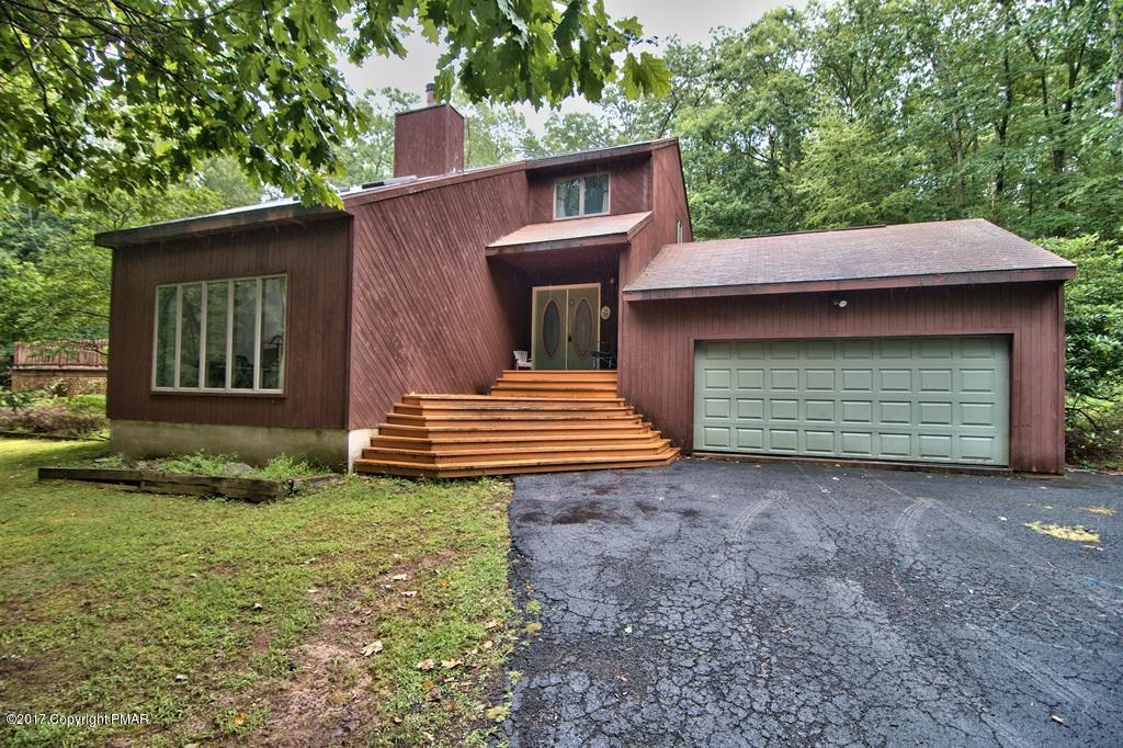 507 Hallowood Drive, East Stroudsburg, PA 18302