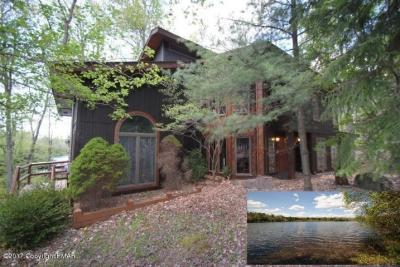 Photo of 2424 Overlook Ln, Pocono Pines, PA 18347