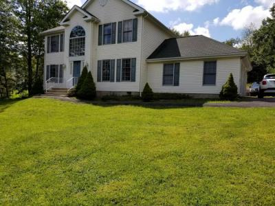 Photo of 195 Granite Rd, Long Pond, PA 18334