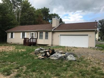 Photo of 662 Oneida Dr, East Stroudsburg, PA 18302