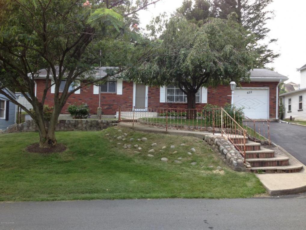 622 Shawnee St, Roseto, PA 18013