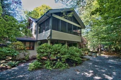 Photo of 109 Winding Hill Rd, Pocono Pines, PA 18350