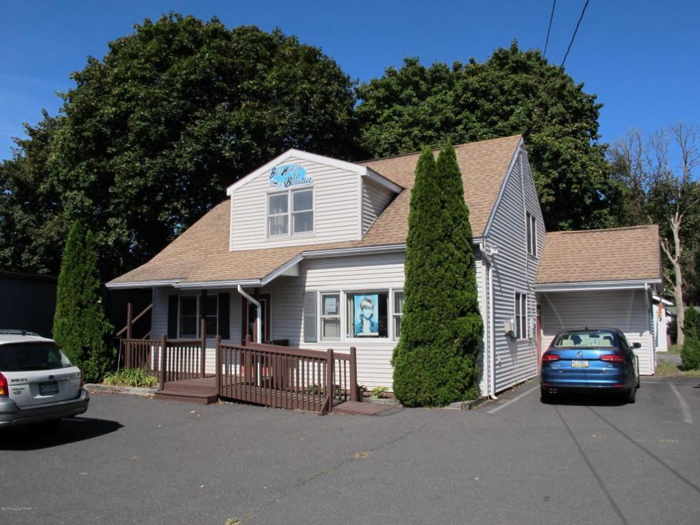 458 Oakwood Ave, Stroudsburg, PA 18360