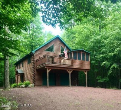 Photo of 1259 Redwood Ter, Pocono Pines, PA 18350