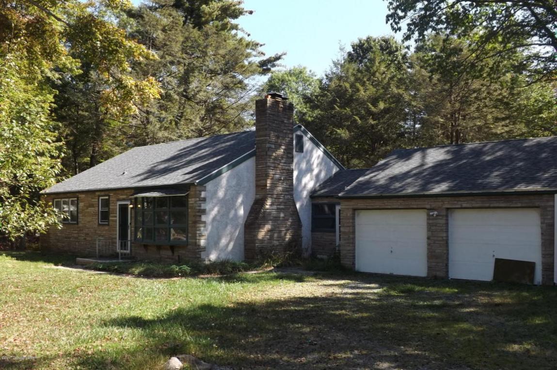 26 Big Pine Dr, Albrightsville, PA 18210