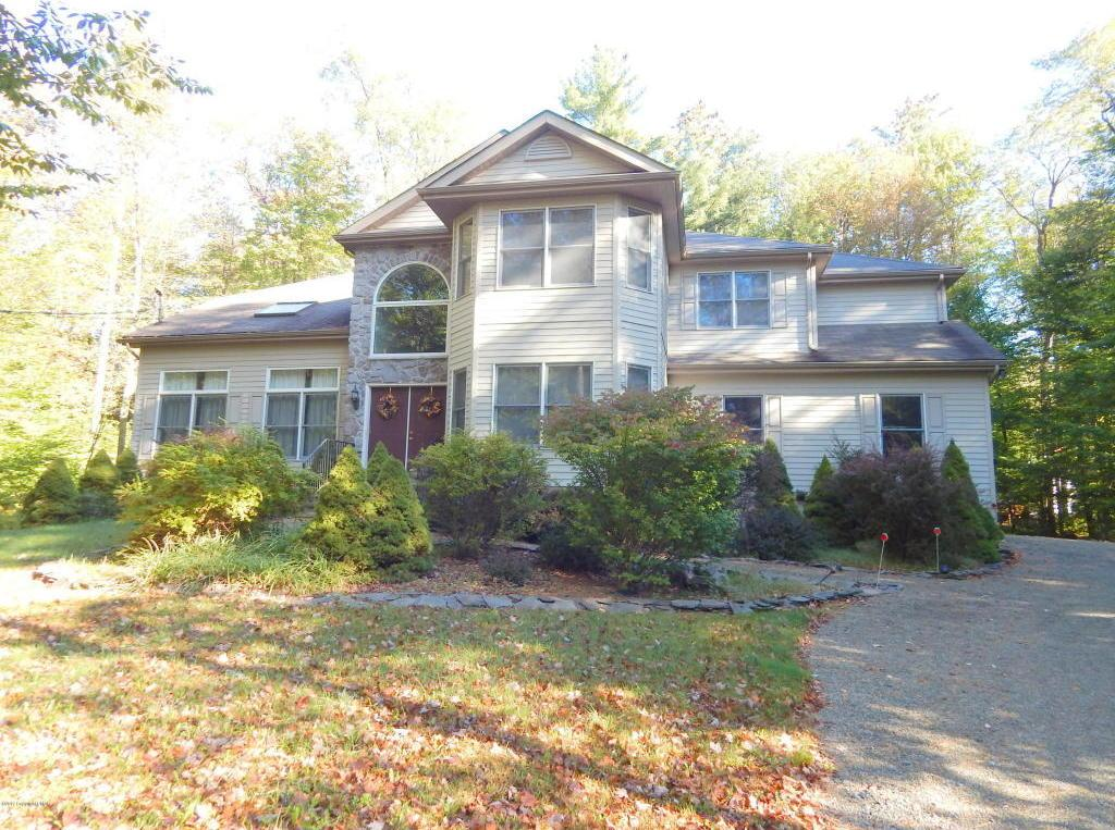 5131 Woodland Ave, Pocono Pines, PA 18350