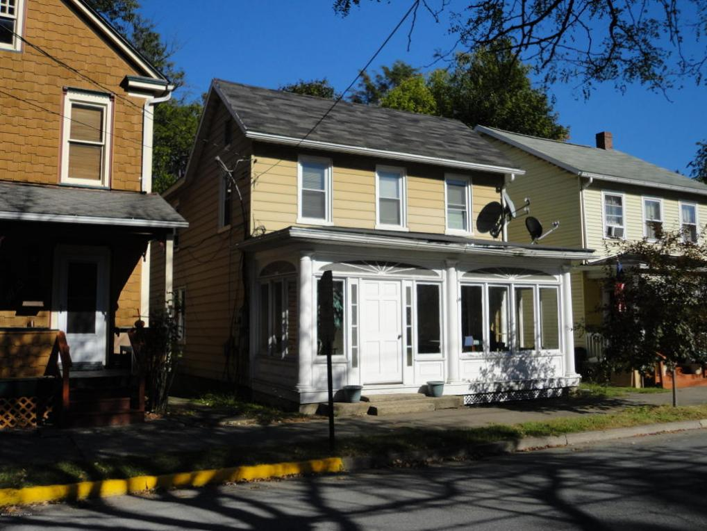 30 N 10th Street, Stroudsburg, PA 18360