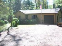118 Colony Dr, Blakeslee, PA 18610