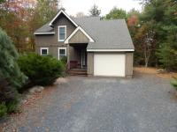489 Brookside Dr, Pocono Pines, PA 18350