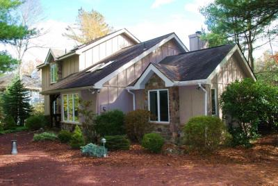 Photo of 6104 Lakeview Dr, Pocono Pines, PA 18350
