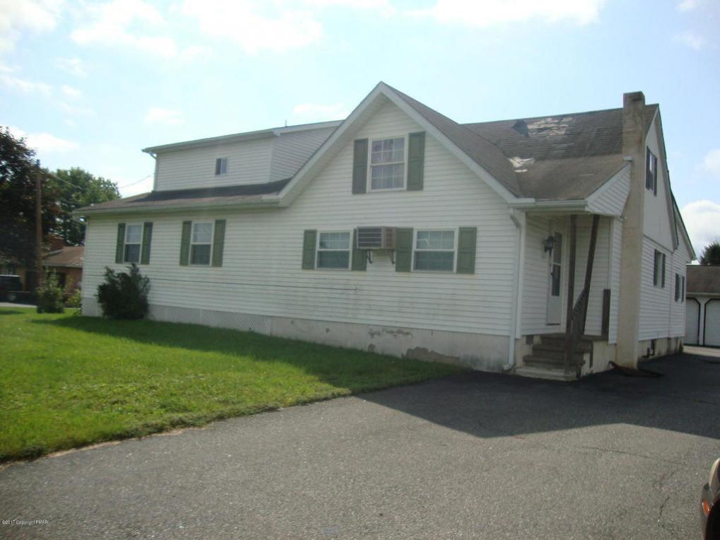 124 Greenview Dr, Brodheadsville, PA 18322