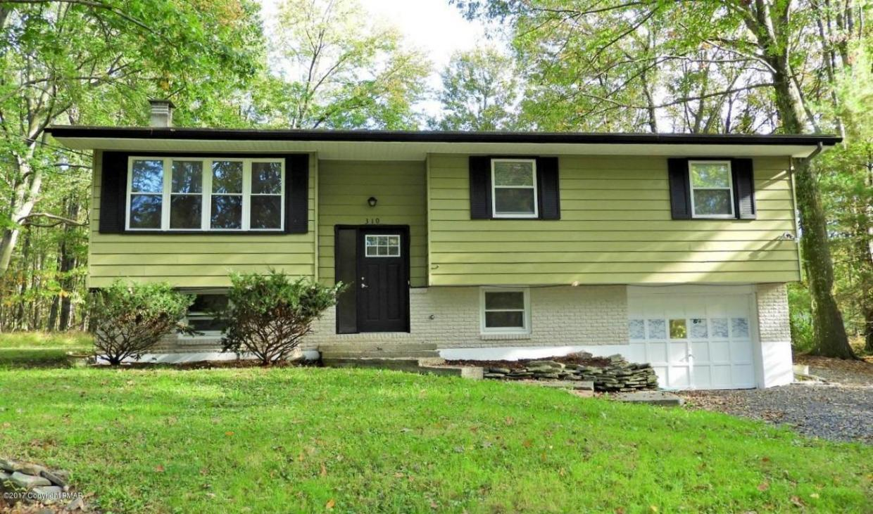 310 Charles Folly Road, Bartonsville, PA 18321