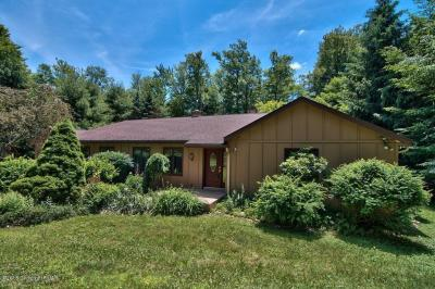 Photo of 5104 Woodland Ave, Pocono Pines, PA 18350
