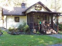 2212 Abby Rd, Pocono Pines, PA 18350