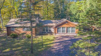 Photo of 127 Crest Dr, Lake Harmony, PA 18624
