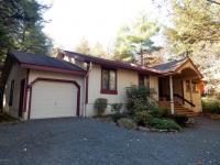 128 Tanglewood Drive, Pocono Pines, PA 18350
