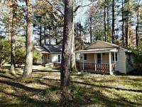 109 Sweet Pea Ln, Pocono Pines, PA 18350