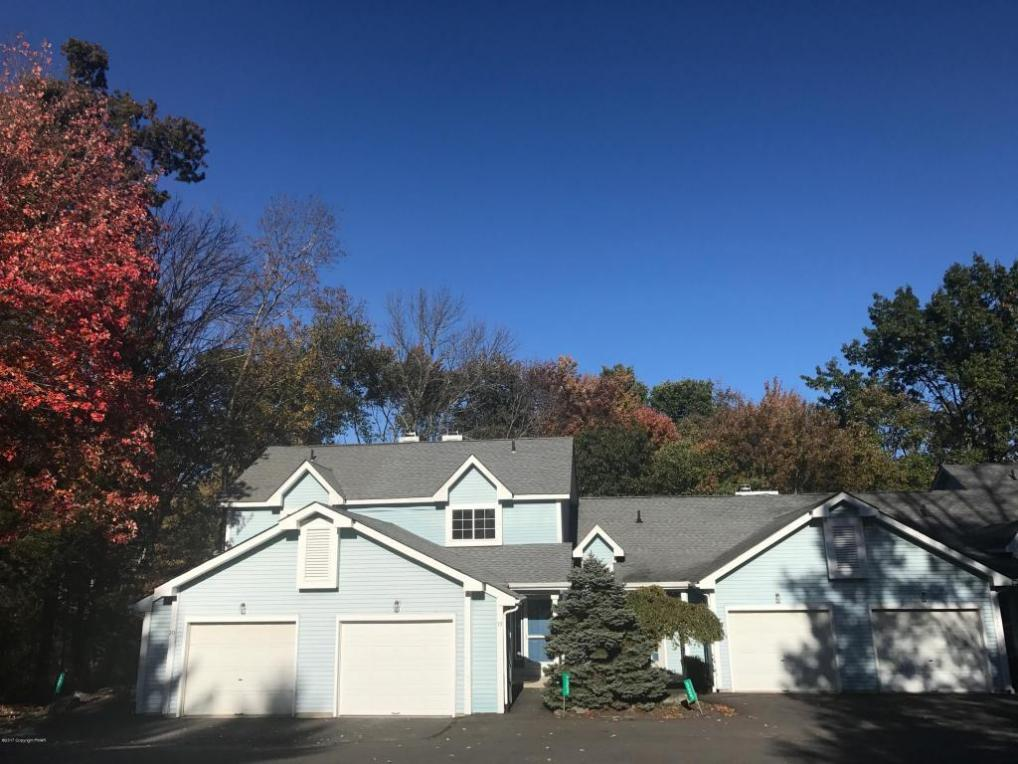 323 Inverness Dr, East Stroudsburg, PA 18302