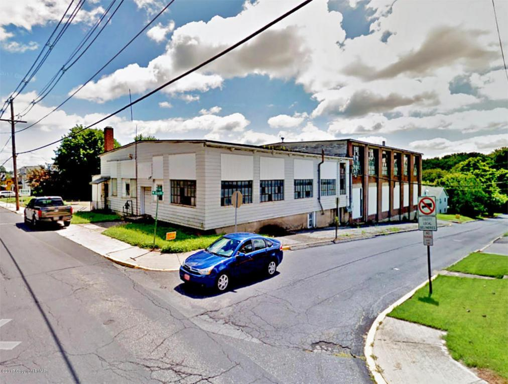 374 W Main St, Bath, PA 18014