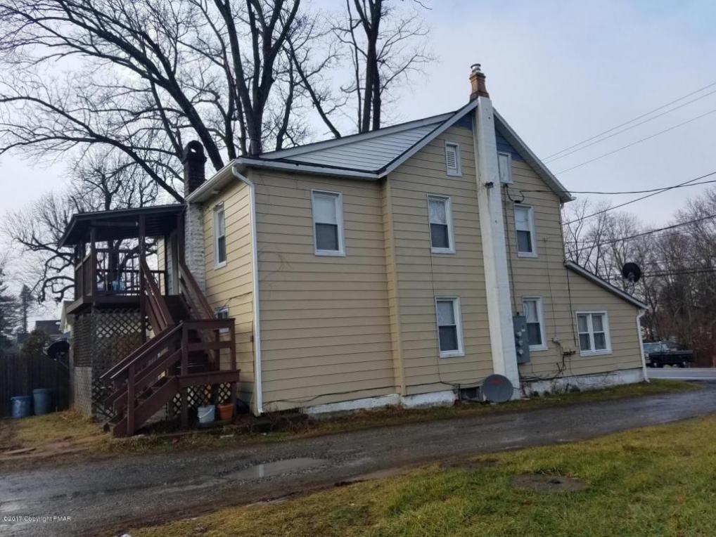 2133 N Delaware Dr, Mount Bethel, PA 18343